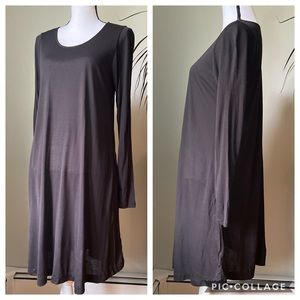 H&M black long sleeve swing dress with pockets